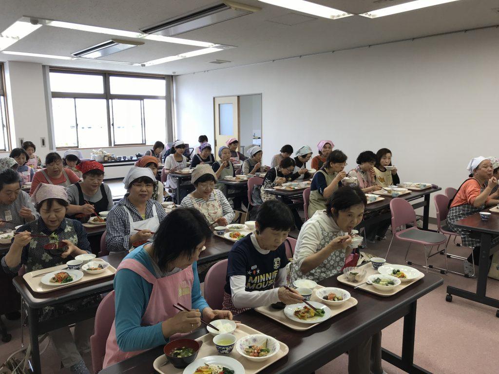 「やさいのおかずでもう一皿」健康増進普及講習会を実施しました。