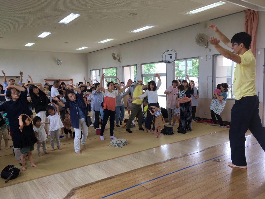 漆山東保育園祖父母ふれあい会でにしかんみんなの体操を実施しました